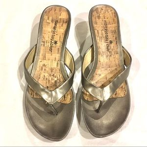🌟 3 for $15 🌟 Pewter Wedge Sandals. EUC